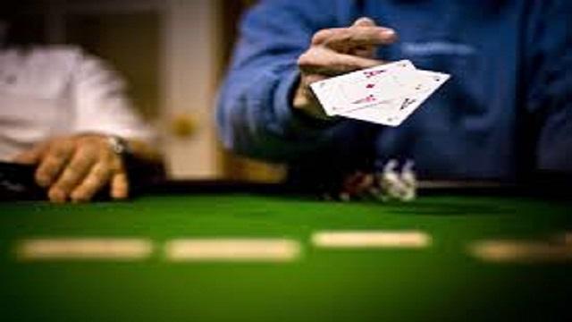 untung banyak main poker