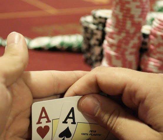 online situs poker